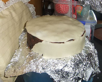 Cake almost marzipanned